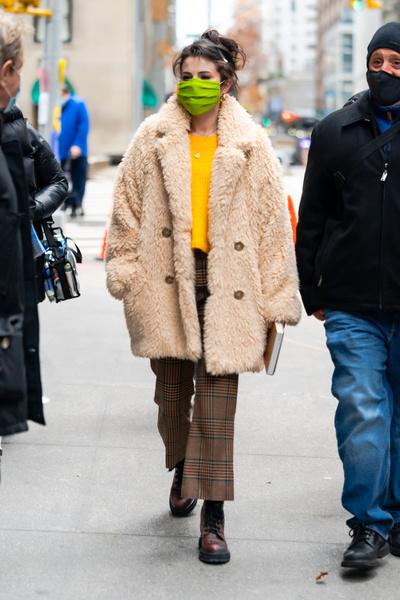 Фото №1 - Что носить зимой: модные образы от селебов