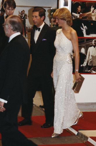Фото №17 - Как принцесса Диана одевалась в 90-е годы