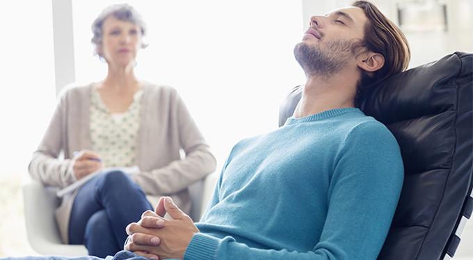 Первая консультация психотерапевта: чего от нее ждать?