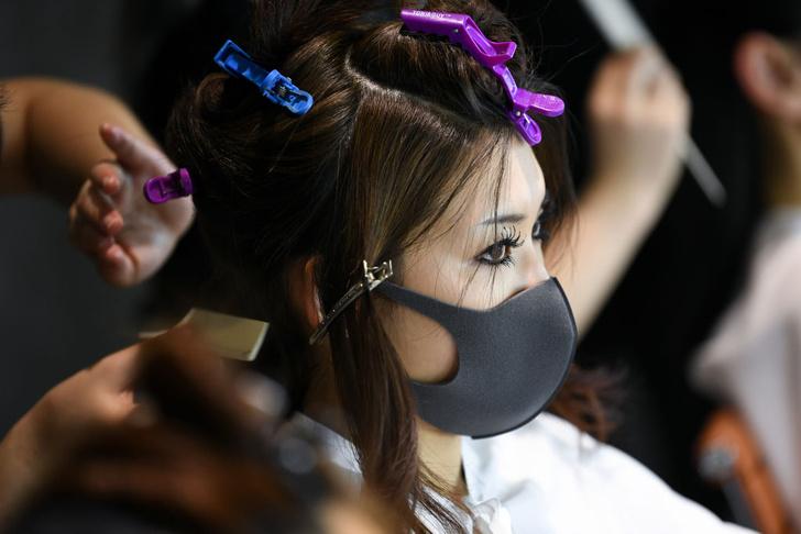 Фото №9 - От клюва чумного доктора до экрана: как менялась медицинская маска