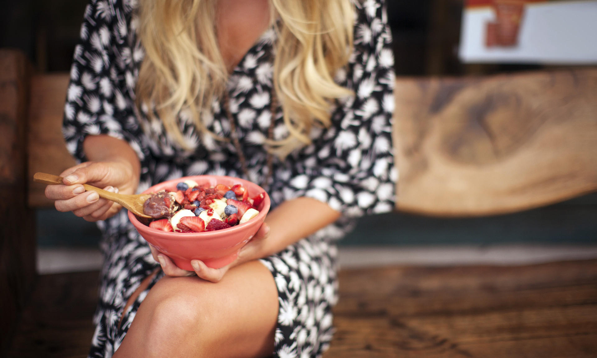 Мигрень на тарелке: еда, которая причиняет головную боль