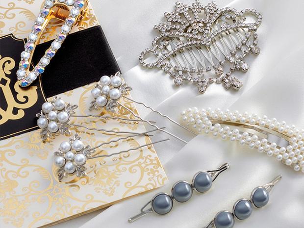 Фото №1 - Что купить: 3 образа с украшениями для новогодней ночи