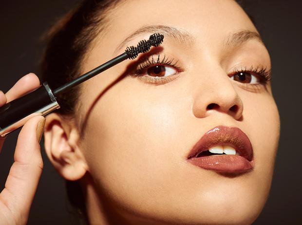 Фото №5 - Правила сочетания: как носить косметику и контактные линзы