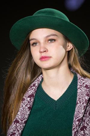 Фото №9 - Вам идет: как подобрать шапку по форме лица и не только