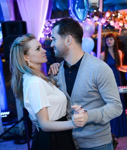 Фото №1 - «Я переживу любую ситуацию»: почему Милана Кержакова готова терпеть измены, чтобы сохранить свой брак