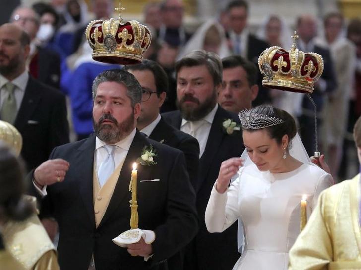 Фото №2 - Лучшие шутки про венчание князя Романова и попа Гарика Харламова