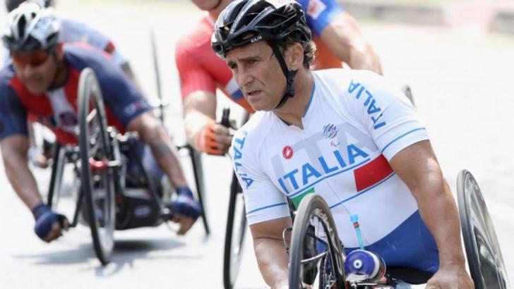 Фото №7 - Известный пилот и паралимпийский чемпион Алекс Дзанарди попал в страшную аварию. Опять…