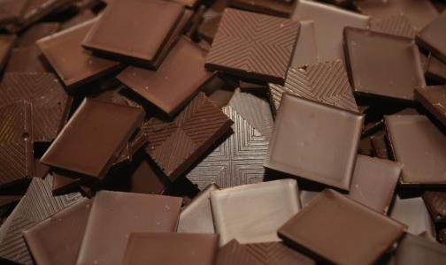 Фото №1 - Роскачество выяснило, в каком шоколаде есть заменители масла какао