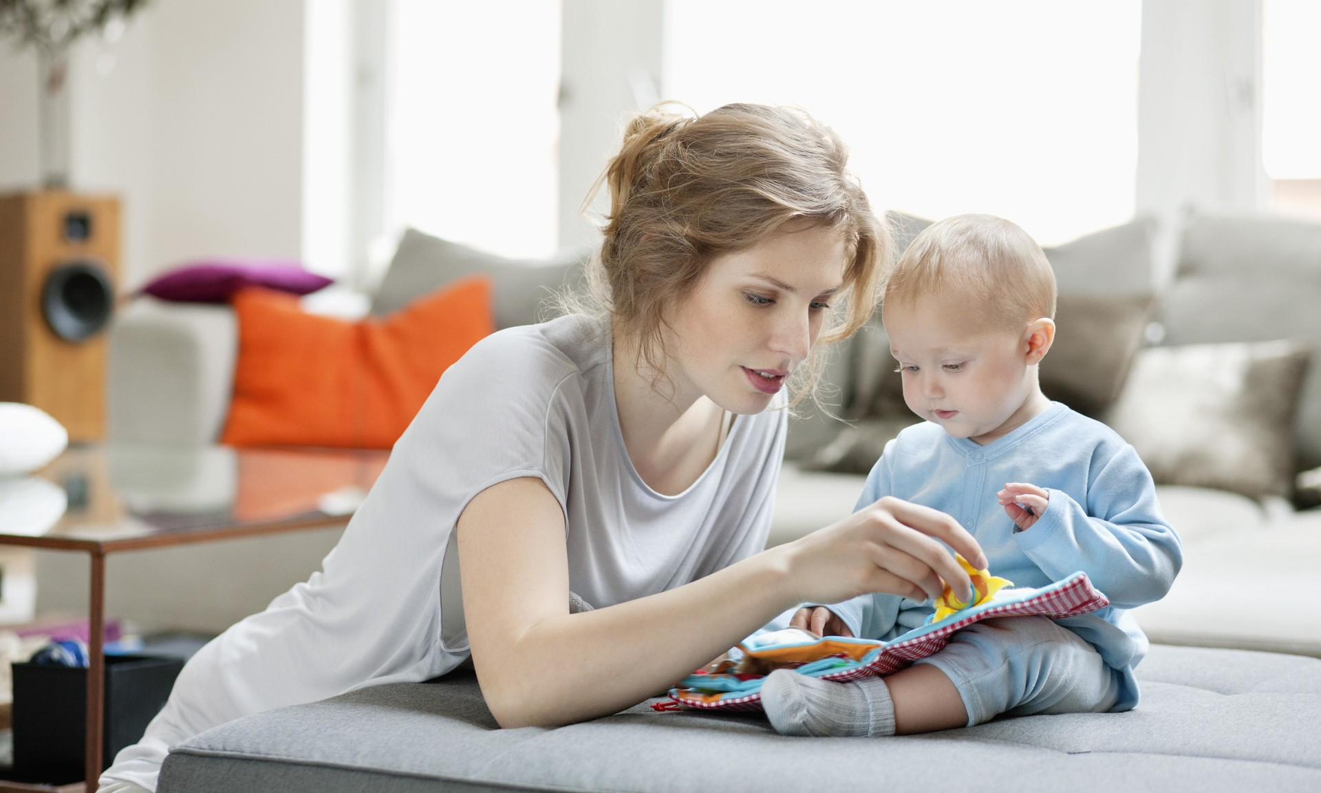 Зачем на самом деле надо читать ребенку сказки: объяснение психолога