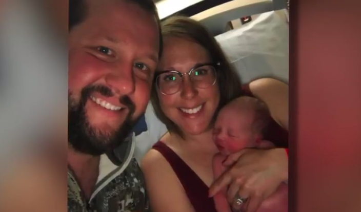 Муж принял роды у жены за 5 минут до приезда скорой
