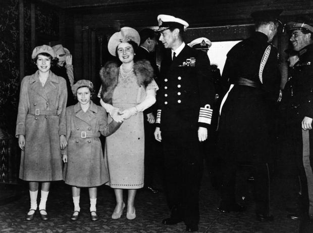 Фото №4 - Родом из детства: самая большая боль королевы Елизаветы