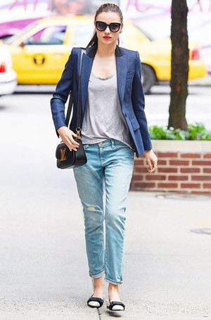 Фото №11 - Было ваше, стало наше: как и с чем носить джинсы-бойфренды