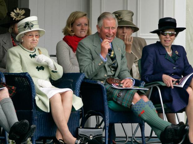 Фото №9 - 5 правил королевского этикета, которые нужно выучить Меган Маркл уже сейчас