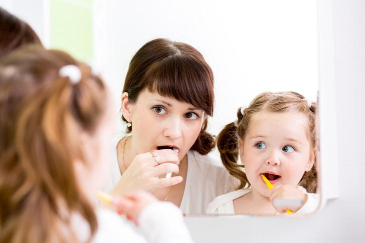 Фото №1 - На зубной щетке живут 10 млн. бактерий