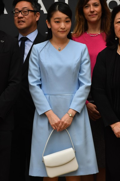Фото №2 - Японская принцесса откажется от богатств и церемоний ради брака с простолюдином