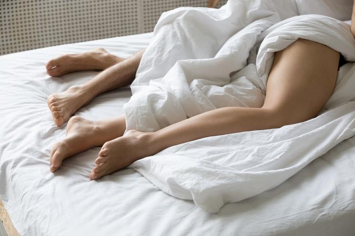Фото №3 - Наденьте это немедленно! Врачи объяснили, почему нельзя спать голышом