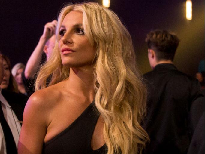 Фото №2 - «Свободу Бритни»: как американская поп-принцесса стала заложницей своего отца