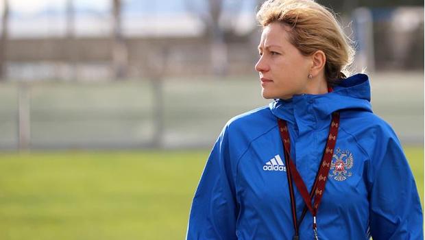 Фото №1 - Будущее женского футбола: интервью с тренером женской сборной Еленой Фоминой