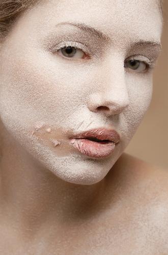 Фото №4 - Какие бьюти-ошибки могут быть полезны для макияжа