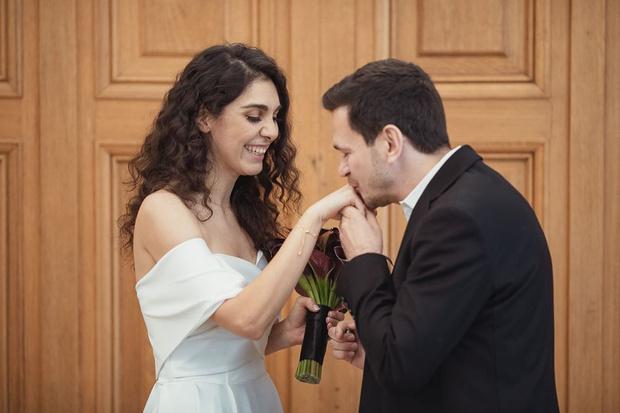 Фото №2 - Бывший бойфренд Собчак женился на певице, которую не видел своей женой