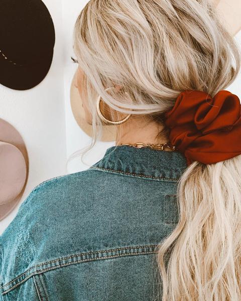 Фото №7 - Бьюти-гид: какие стрижки, укладки и оттенки волос будут в тренде зимой 2021