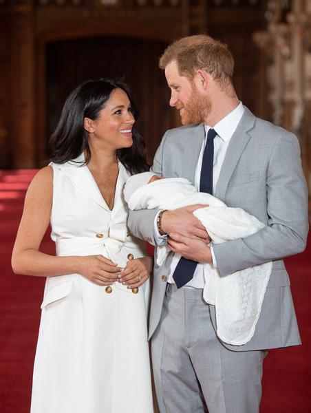 Фото №2 - Чем смерть принца Филиппа обернется для Гарри и Меган