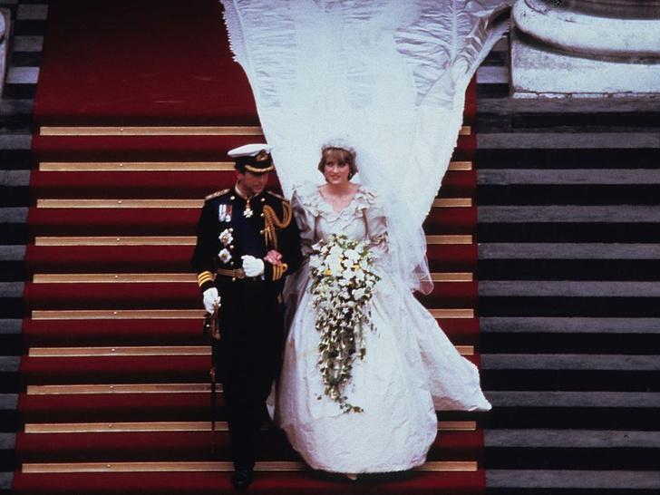 Фото №3 - Странные шутки Виндзоров и конфуз у алтаря: неизвестные факты о свадебном дне принцессы Дианы