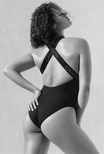 Фото №5 - Отдых у бассейна: 15 красочных купальников Calvin Klein для лета 2020