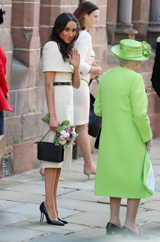 Фото №6 - Герцогиня Меган тратит на наряды больше герцогини Кейт
