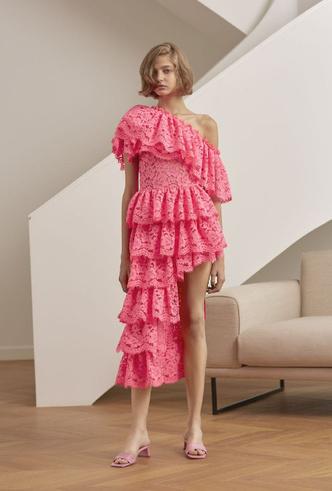 Фото №5 - Для дома и на выход: 10 платьев, которые пригодятся вам на карантине и после