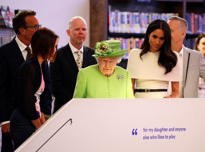 Фото №9 - Как герцогиня Меган разбудила «внутреннего ребенка» королевы