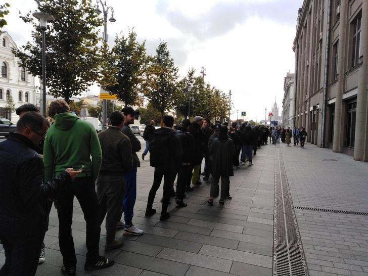 Фото №3 - В Москве началась серия одиночных пикетов в поддержку осуждённого на 3,5 года Павла Устинова (фото и видео)