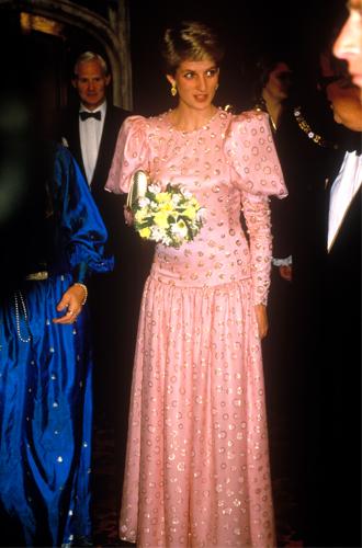 Фото №23 - До/после: как принцесса Диана дарила вторую жизнь старым нарядам
