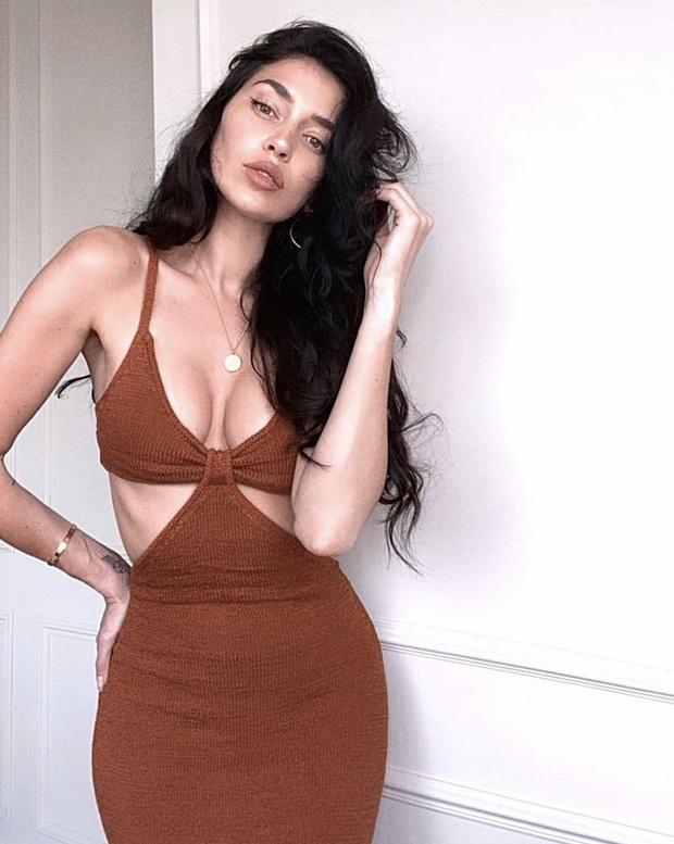 Фото №5 - Одно «голое» платье, которое есть в гардеробе всех супермоделей