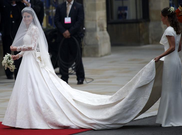 Фото №6 - Свадебный королевский этикет: что можно и чего нельзя делать на бракосочетании Гарри и Меган