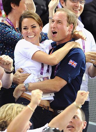 Фото №9 - Язык королевского тела: почему Уильям и Кэтрин не показывают чувства как Гарри и Меган