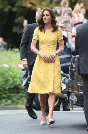 Фото №16 - Суровые уроки стиля, которые Кейт Миддлтон усвоила в браке с принцем Уильямом