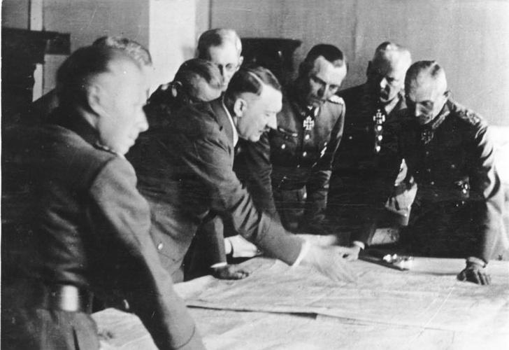 Фото №2 - «Что такое не везет…»: 10 провалившихся покушений на Гитлера