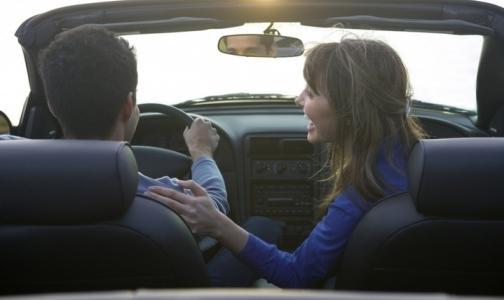 Фото №1 - Дальтоникам и имеющим проблемы со зрением разрешат водить машину