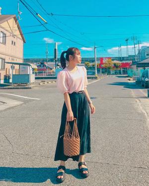 Фото №14 - 8 предметов гардероба, которые помогут выглядеть стильно на любой фотографии