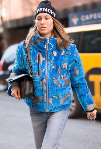 Фото №9 - Шапки, повязки, платки: лучшие головные уборы для зимы 2018