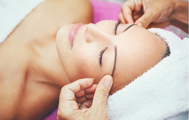 Фото №2 - Самые эффективные процедуры для лица после пятидесяти