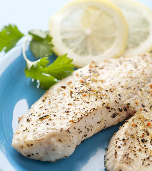 Белая рыба с лимоном