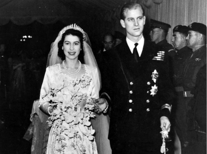 Фото №1 - Неприятности невесты: как Елизавета едва не расстроила свою свадьбу