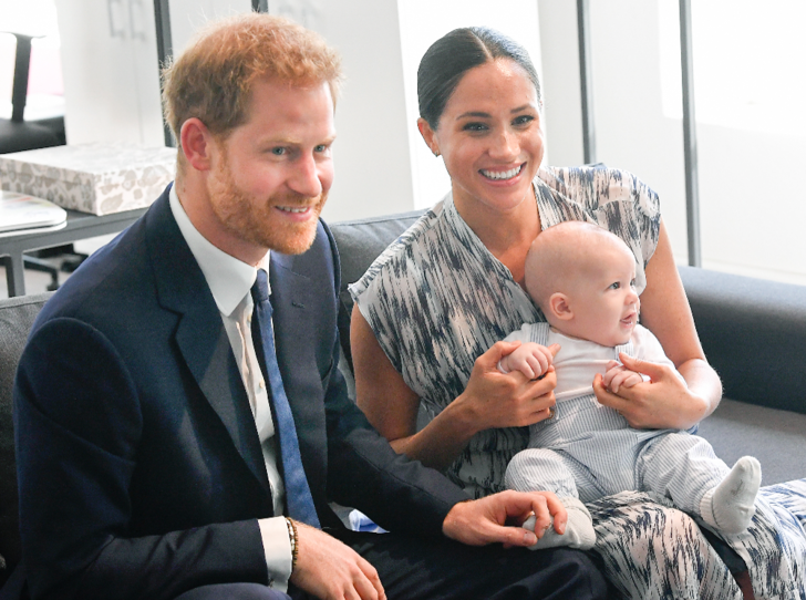 Фото №4 - Как Королева спасает репутацию принца Гарри и герцогини Меган