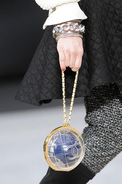 Показ коллекции Chanel на Неделе моды в Париже