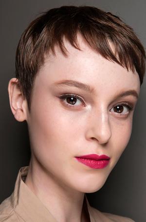 Фото №22 - Ночь продержаться: как сделать макияж стойким