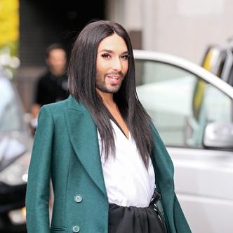 Фото №1 - Бородину с фейковой бородой не отличить от Кончиты Вурст