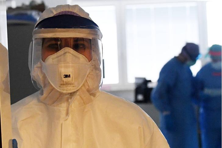 Фото №1 - Медики рассказали, как отличить COVID-19 от простуды