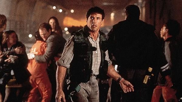 Фото №4 - 9 самых тупых поступков героев в фильмах-катастрофах